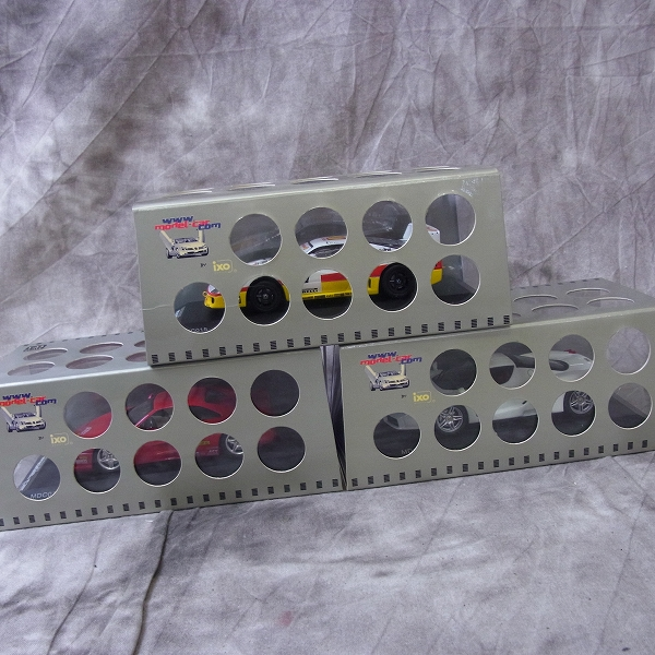 実際に弊社で買取させて頂いたIXO/イクソ 1/43 Ferrari F355 World Tour Japan 1997 Red MDC014 3点SET